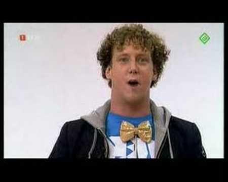 Jochem Myjer imiteert in de Mike & Thomas Show - YouTube