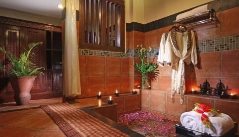 Classic bath room, authentic ambience with aromatic flower is our attempt to make guests comfortable. Detail info: 0813 1072 0446