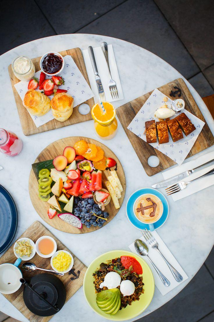 Breakfast sharing   Photo @timpascoephotography