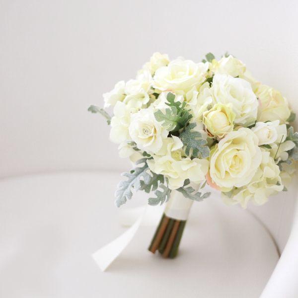 ブーケ/バラとシルバーリーフのブーケ(白) - ウェディングブーケ&ヘッドドレス・花髪飾り通販|airaka
