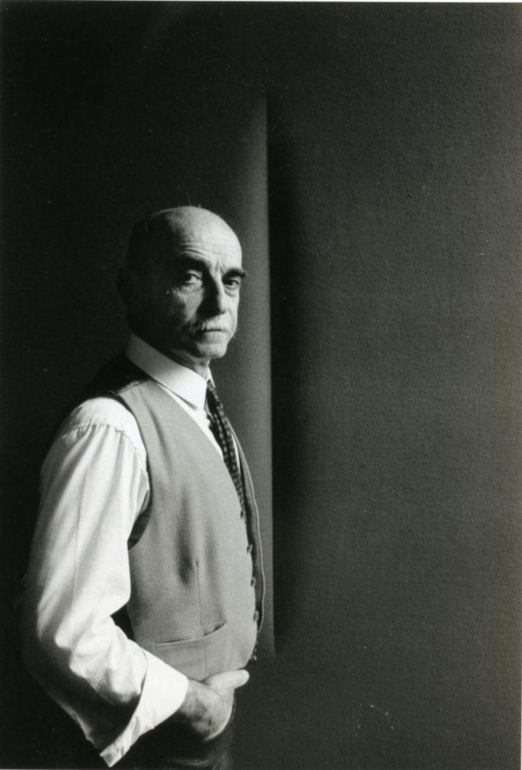 Lucio Fontana, 1965 by Ugo Mulas - ancora un ritratto magistrale di Fontana