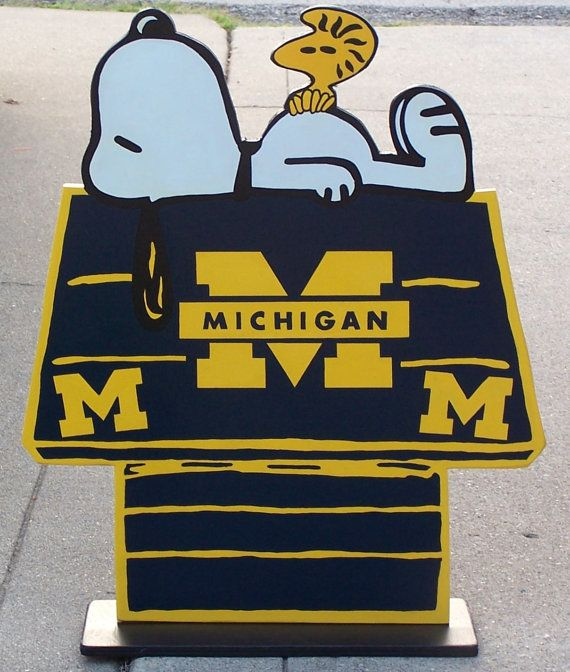 Michigan Wolverines,  Snoopy Peanuts Huge Wood Decor Sign, DOGHOUSE with Woodstock Done in Brillant Team Colors