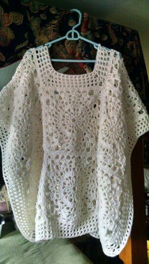 Poncho de encaje en ganchillo - Lace Poncho. Original Crochet Design by Marji's Makings (Marji Tucker).
