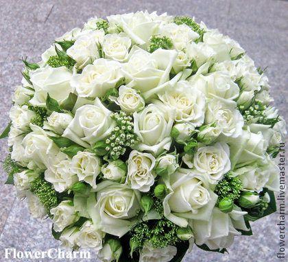 Букет невесты из белых роз - классический - белый,зеленый,букет невесты