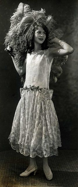 1925 @@@@@......http://www.pinterest.com/pocketmuseum/1920s-fashion-in-photographs/  ......€€€€€€€€€€€€€€€€€€€€€€€€€€€€