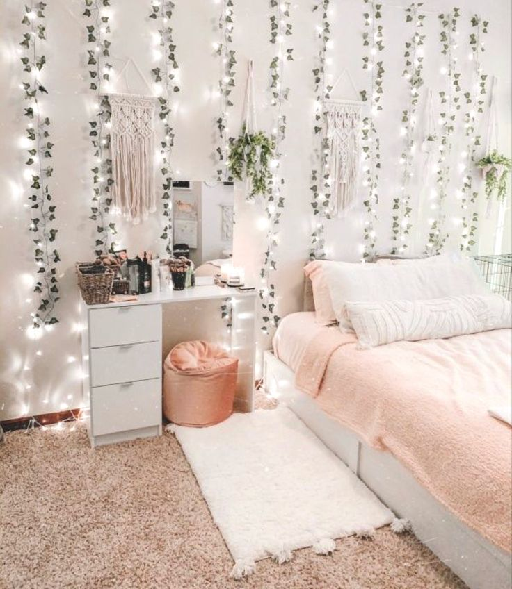 aesthetic room in 2020   Redecorate bedroom, Dorm room ... on Room Decor Aesthetic id=64293