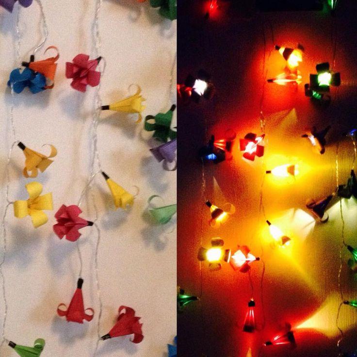 Ljusslingor med origamiblommor av Anna / Tisteldrake