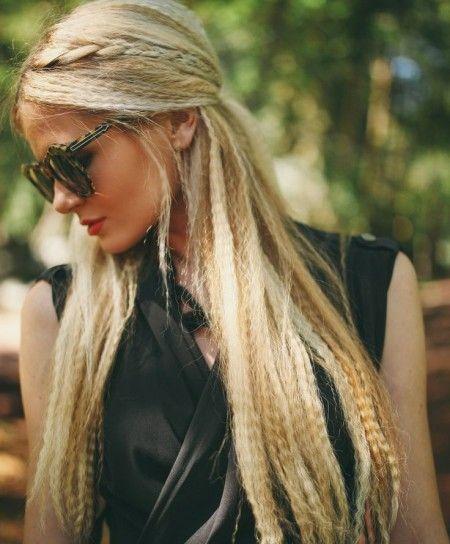 Capelli lunghi con frisee stile anni 80