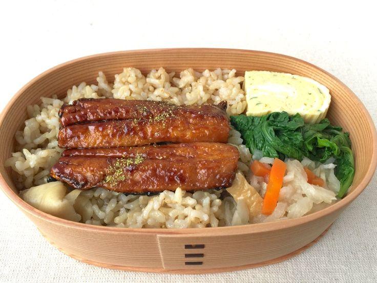 鰯蒲焼重(玄米ご飯220g、生姜甘酢)、出汁巻(青海苔)、まなお浸し、切り干し大根