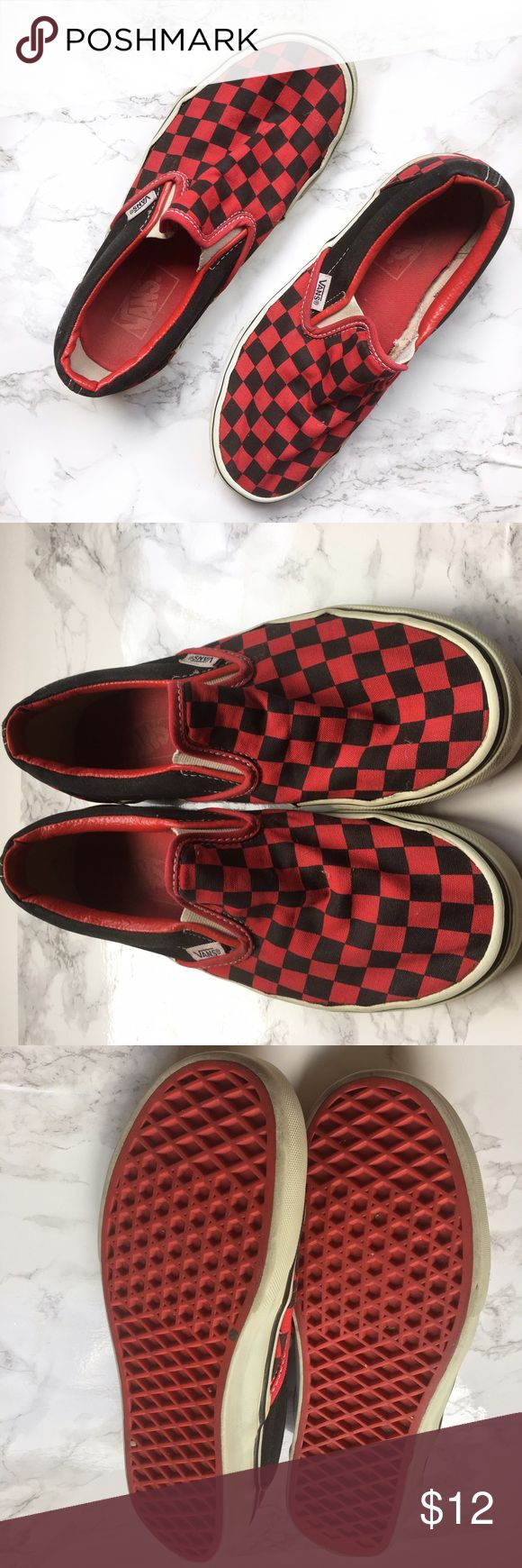 Vans checkered slides black and red Fun checkered black and red Vans slide  on shoes.