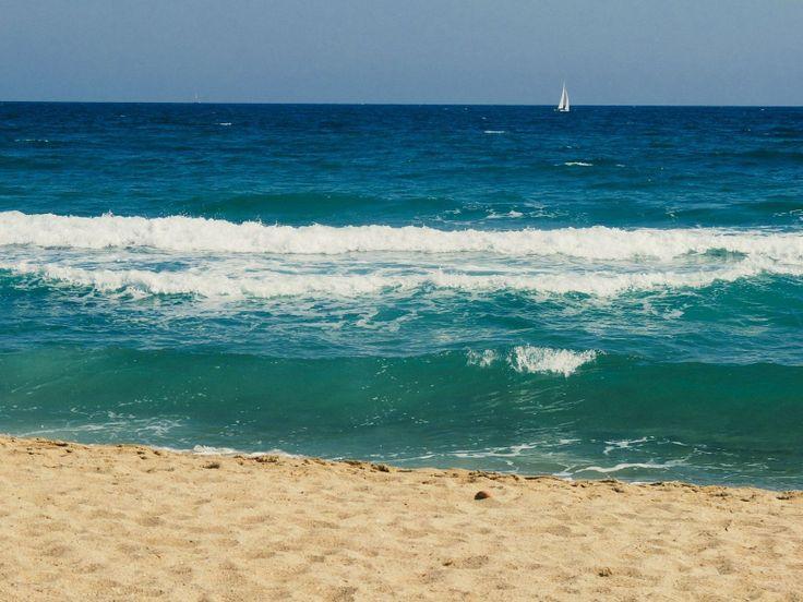 Давно моря не было в ленте :) #барселона #испания #barcelona #spain #travel #vscorussia #beach #sea #море #природа