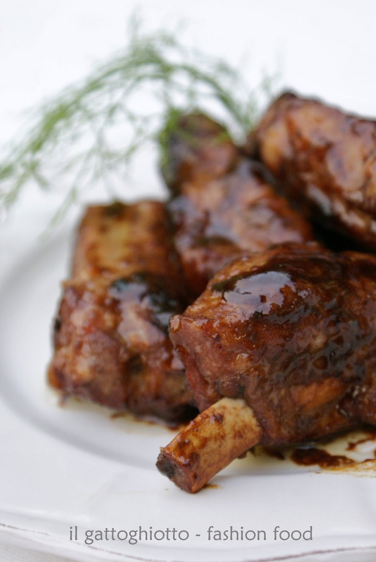pork ribs with honey sauce - costine di maiale con salsa al miele