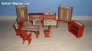 Starý nábytek pro panenky  - obrázek 1