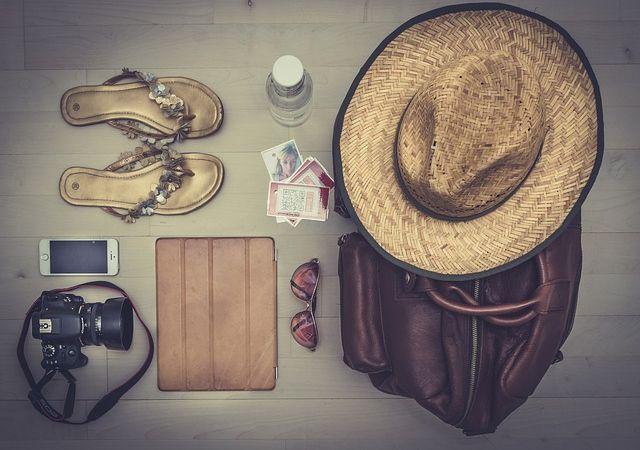 Preparare la valigia perfetti: tutti gli oggetti da portare #partire #viaggiare #valigia #travel #vacation