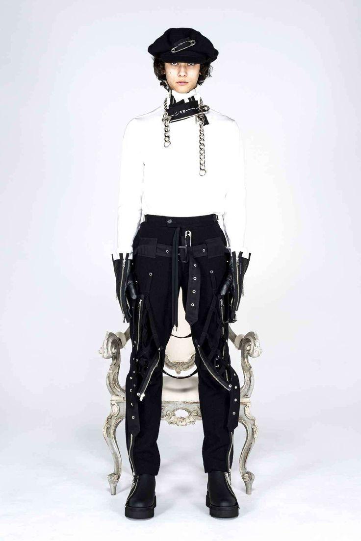 Takahiromiyashita TheSoloist. explora una estética neo-punk para su colección Fall-Winter 2021 The Soloist, Punk, Ready To Wear, Fashion Show, Fall Winter, Vogue, Menswear, How To Wear, Beauty