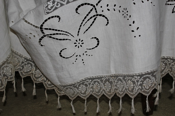 """early 800 Sicilian embroidery """"fillet"""" table cloth"""