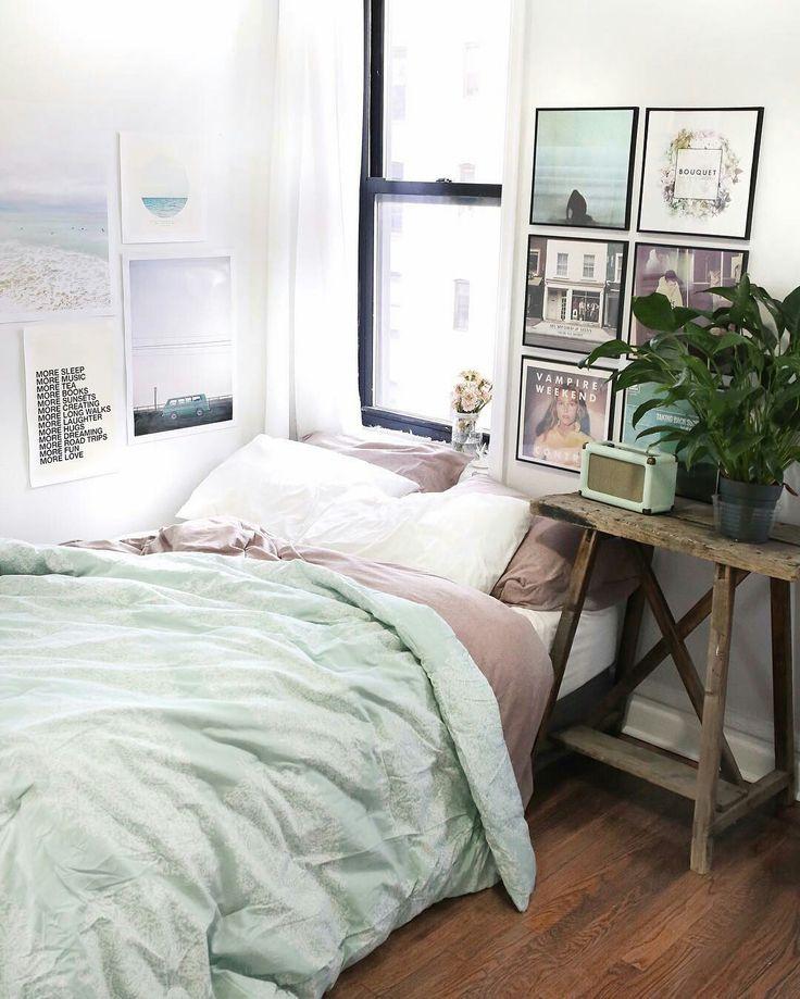 Chambre cosy aux couleurs pastel
