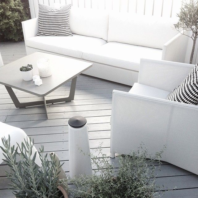 Beautiful white Diamond 2 seater and lounge chair, matches the terrace and our Time-out coffee table perfect. #caneline #outdoor #gardenfurniture