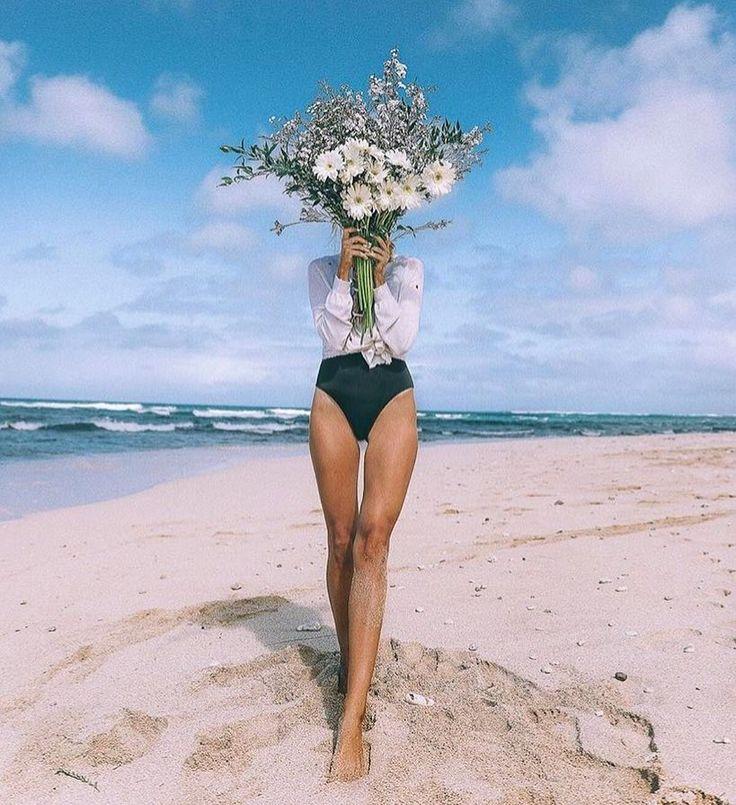 """3,717 To se mi líbí, 22 komentářů – Melody Nelson (@melodynelsonbridal) na Instagramu: """"I've got flowers in my head and they won't go / source @amberfillerup #barefootblonde #moodoftheday…"""""""