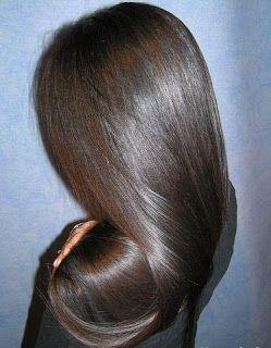 Втирание масел в корни волос