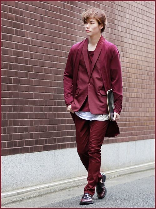 「ONE TONE WEEK」      Day of the colour:_BURGUNDY