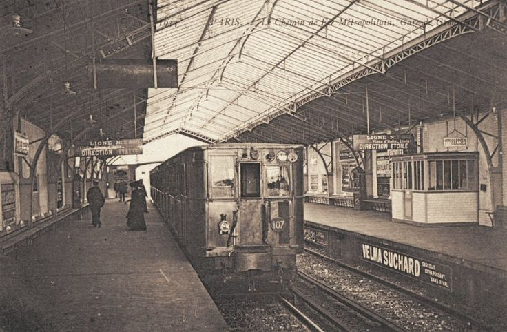 Le Métropolitain du Paris d'antan - La station de Chemin de Fer Métropolitain, Gare de Grenelle, vers 1910.