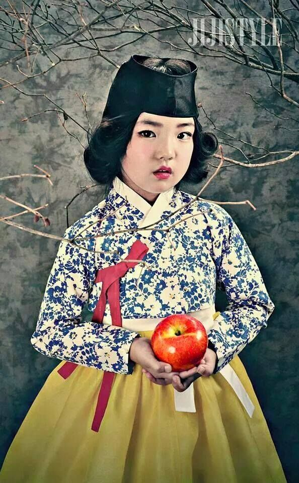 Who said traditional can't be cute? These 10 kids show that traditional Korean hanbok clothes can both be very classy, but heart-warmingly cute at the same time!