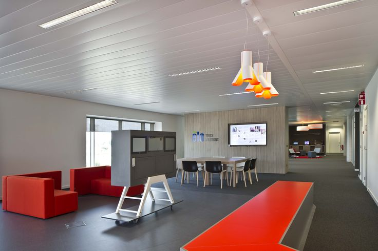 BOKY('s) #DARK colors orange-white ELO touch solutions #project LEUVEN BE <<