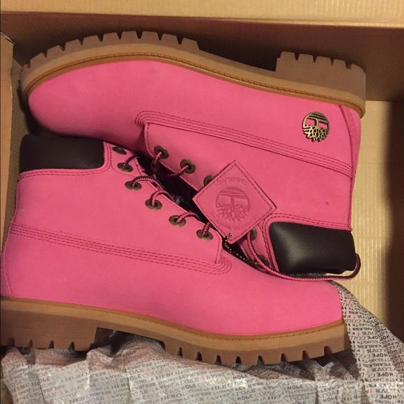 BRAND NEW Pink Timberland Boots Brand New Timberland Breast Cancer Awareness Boots Size 6.5 in boys which is a size 9 in women Timberland Shoes Winter & Rain Boots