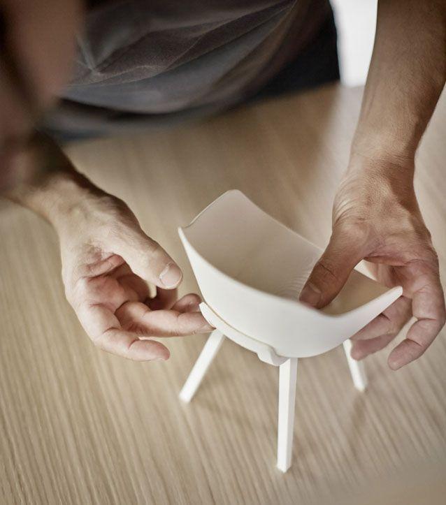 Maison&Objet - Alki Presents the 1st Bioplastic Chair - Kuskoa Bi est la première chaise biosourcée biodégradable et recyclable. La Bioplastique (provient de ressources 100% végétales et renouvelables) ouvre de grandes perspectives pour le monde industriel. Cette industrie par cette innovation va pouvoir ralentir (un peu) l'épuisement des matières premières dont le pétrole. Les applications sont immenses dans la production de biens d'équipement et de consommation. Bientôt sur www.myloft.ch