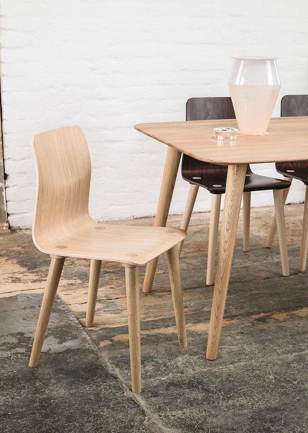 Descopera traditia de manufacturare a scaunelor Ton pe www.somproduct.ro Scaunul Malmo reuseste sa uimeasca prin functionalitate si design! #SomProduct #inspiring #comfort #wood #chair #design #nature
