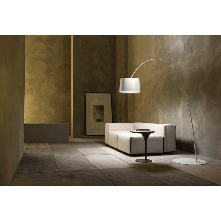Twiggy golvlampa från Foscarini, formgiven av Marc Saddler. Modern och stilren golvlampa i lack...