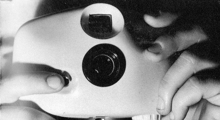 Prototipo di macchina fotografica per ragazzi, Achille Castiglioni, Pier Giacomo Castiglioni, Ferrania, 1958, courtesy Studio Museo Achille Castiglioni _(s)_L'artigianato in fabbrica