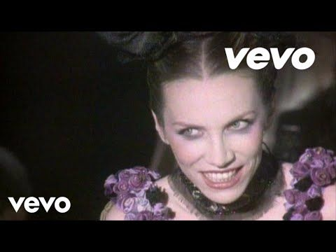 "Annie Lennox - No More ""I Love You's"" - YouTube"