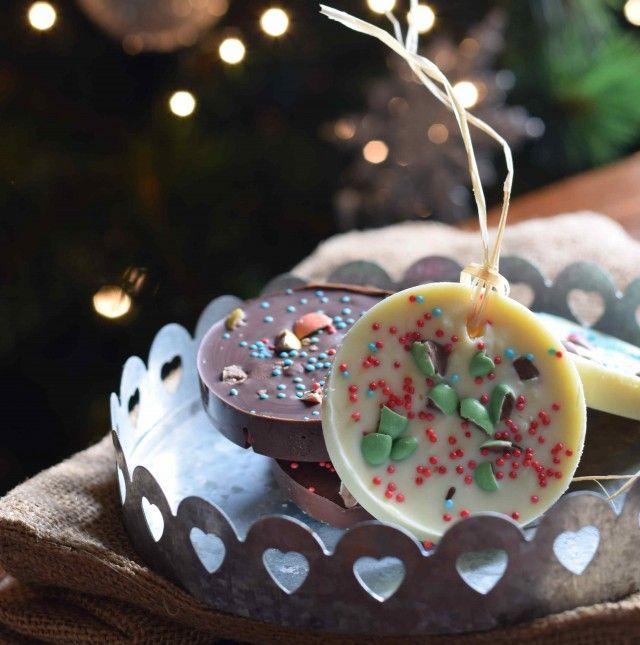 Una dolce decorazione natalizia con il cioccolato da fare con i bambini!