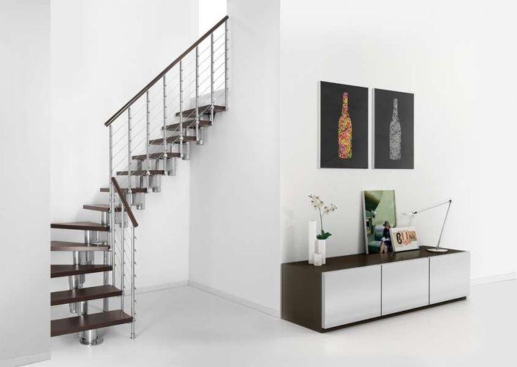 I gradini delle scale a rampa Long Line Limited Edition della linea Pixima sono realizzati in materiale strutturale e rivestiti in laminato con finitura syncroporo.