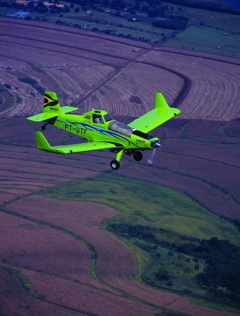 Avião agrícola a etanol produzido no Brasil  já é exportado