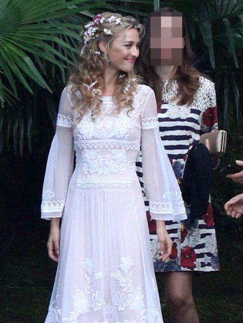 Schon am Polterabend ganz in Weiß: Beatrice Borromeo bezaubert in einem weißen Hippie-Kleid. Klick: 10 Geheimnisse über die Braut