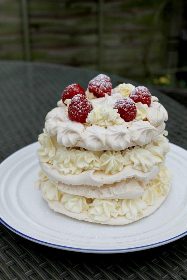 Layered Meringue Cake - BakingQueen74