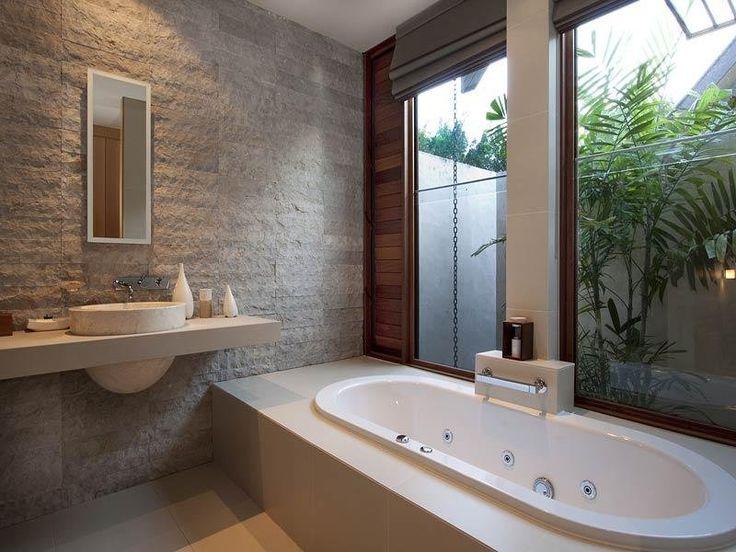 Classic bathroom design with corner bath using frameless glass - Bathroom Photo 228841
