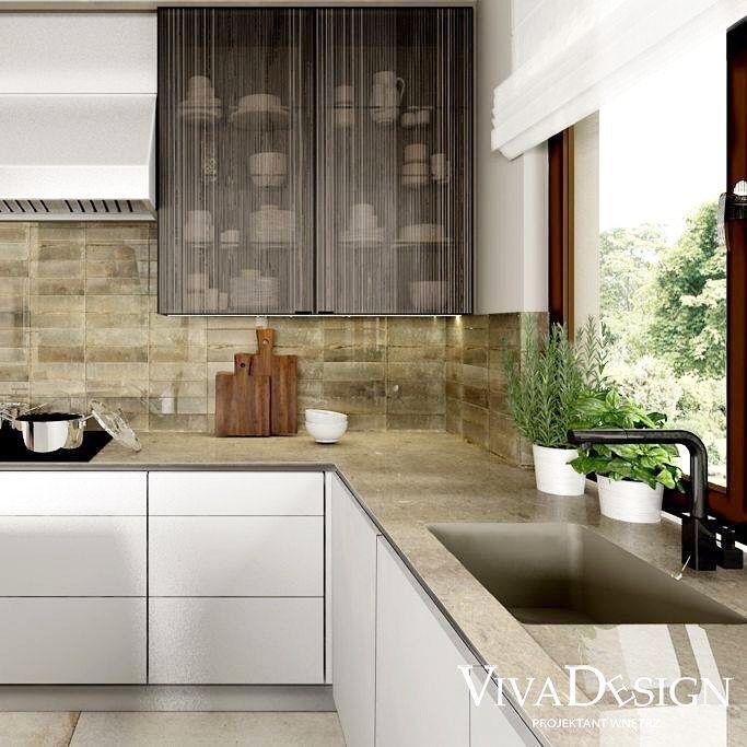 Kuchnia W Kolorach Ziemi Panuja Tu Najbardziej Naturalne Kolory Jak Biel Czern I Rozne Odcienie Bezu I Szarosci Ciekawie Kitchen Cabinets Design Home Decor