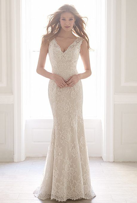 Sleek and chic hitting every curve of your body, these sheath wedding gowns are perfect for the more sophisticated of brides.
