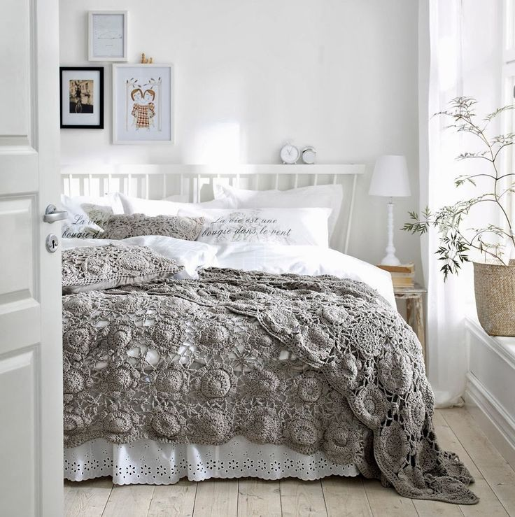 Bachelor Pad Bedroom Art Taupe Black And White Bedroom Bedroom Storage Bench Diy French Bedroom Chairs: 1000+ Ideas About Taupe Bedding On Pinterest