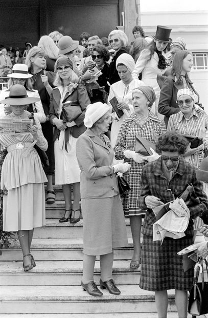 Melbourne Cup 1976  -  Wow! what a dreary dowdy lot..............