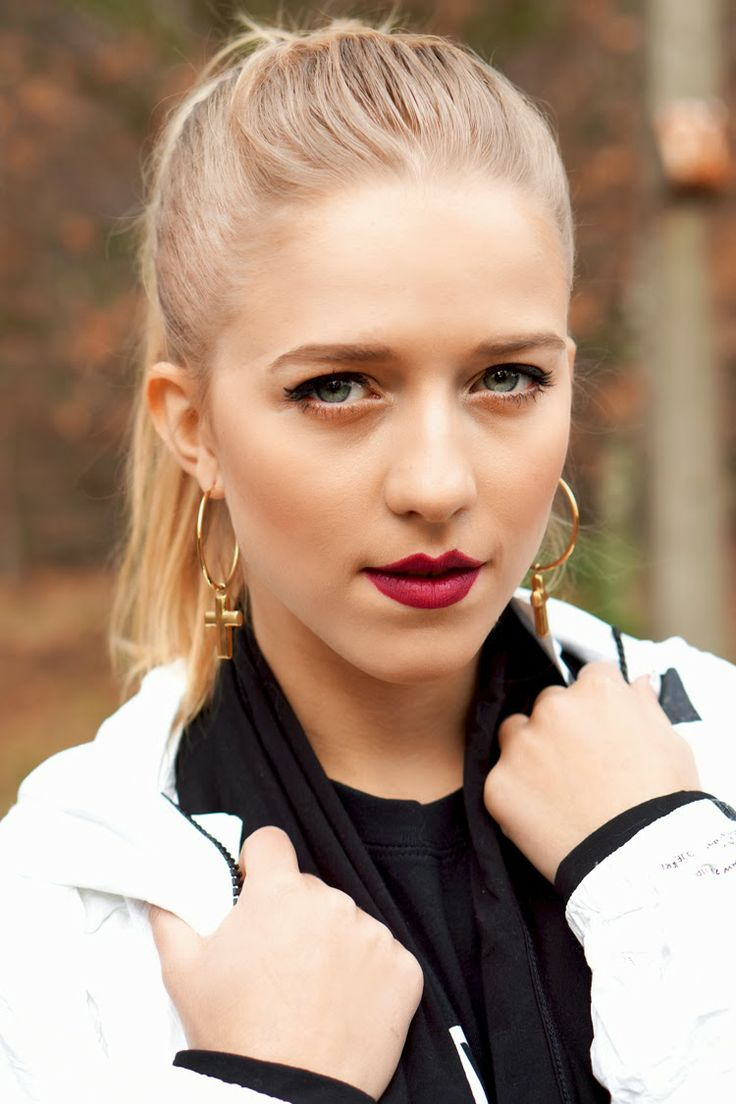 JEMERCED by Jessy Mercedes: November 2013  Blogger, Jessica Mercedes Kirschner waering Ania Kuczyńska for YES earrings  www.YES.pl