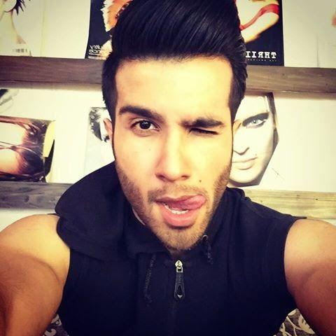 selfie lovers: Feroz Khan Selfie