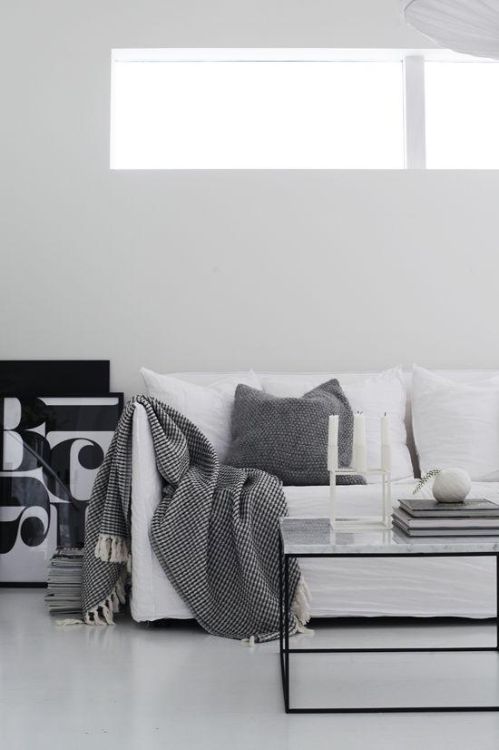 11 besten Wohnzimmer Bilder auf Pinterest Tv lowboard, Tv - moderner wohnzimmerschrank mit glastüren und led beleuchtung