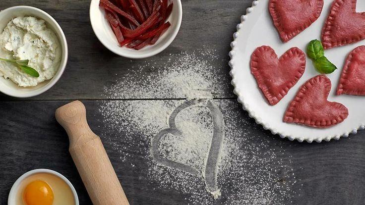 Walentynkowe ravioli z burakiem i fetą #lidl #przepis #walentynki #feta #buraki #ravioli