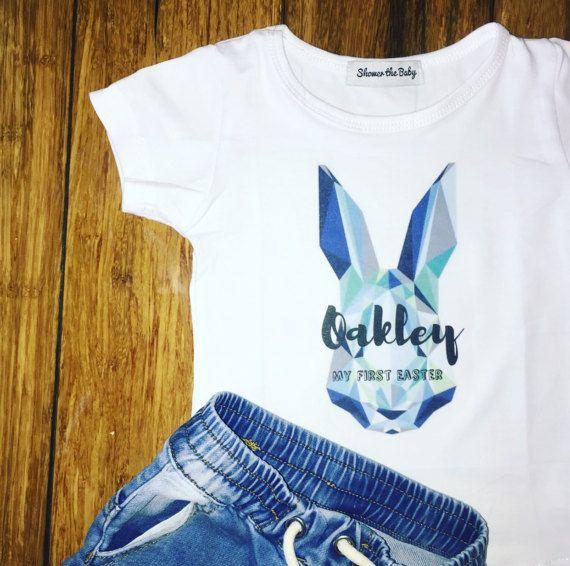 De geometrische bunny, komt gepersonaliseerde in witte of mint, tee of onesie voor uw prachtige pub Pasen outfit.  Vermeld in de opmerkingen: -Uw Bub de naam -Mijn eerste Pasen of  Easter 2017  Binnen 2 werkdagen en gratis frankeertegoed Australië breed verzonden.  Gelukkig Pasen xx  Website: http://www.showerthebaby.com.au/product/hip-hop-baby