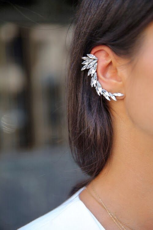 This is how to wear an ear-cuff #gorgeous #earcuff #chic